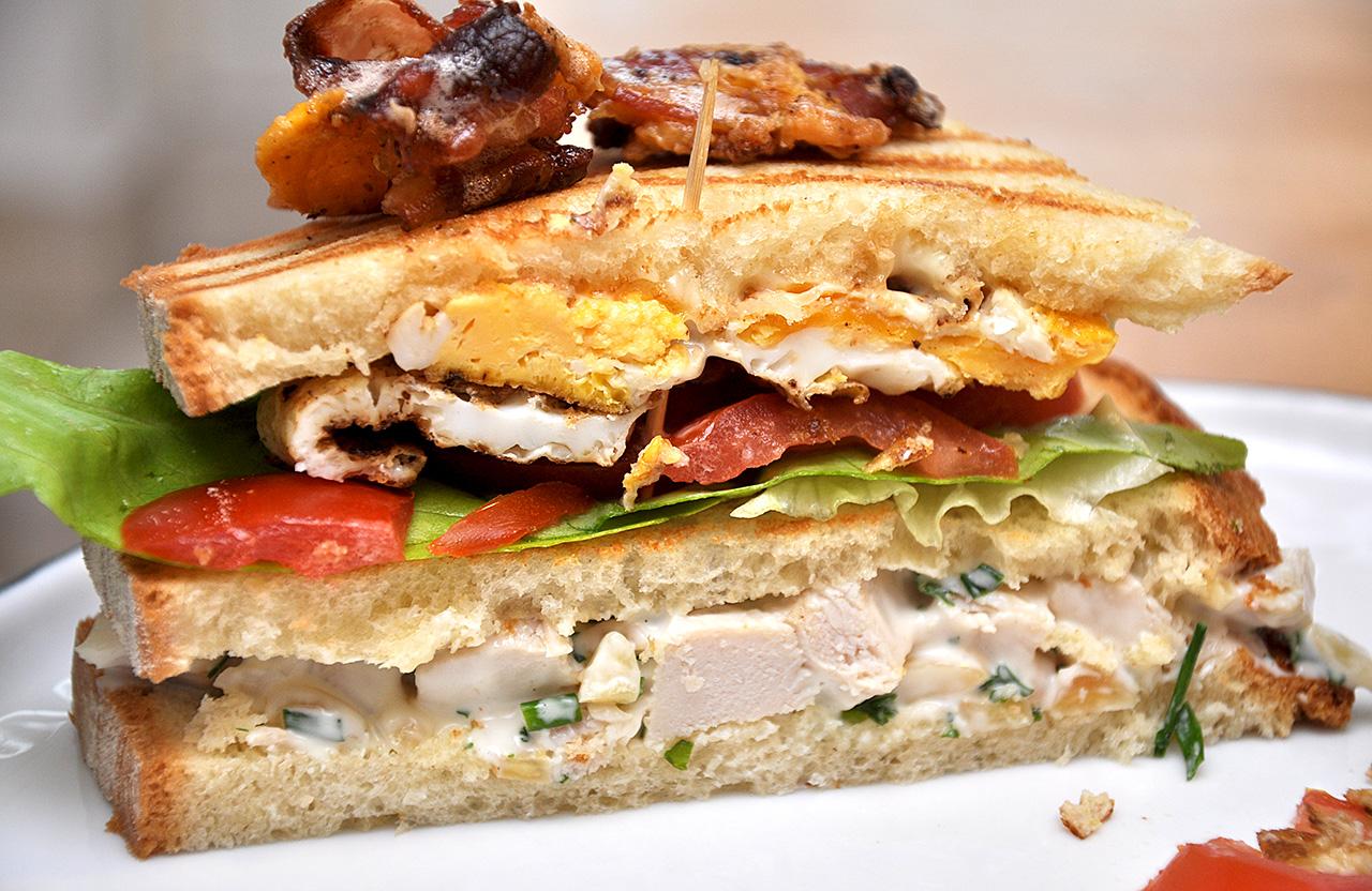 club sandwich mit gefl gel mandel salat vogels k che. Black Bedroom Furniture Sets. Home Design Ideas