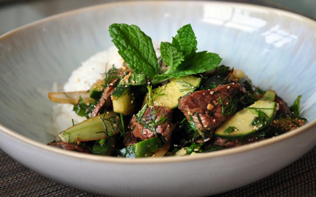 Laab – Laotischer Gurken-Rindfleisch-Salat
