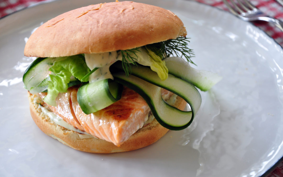 Lachs-Burger vom Grill