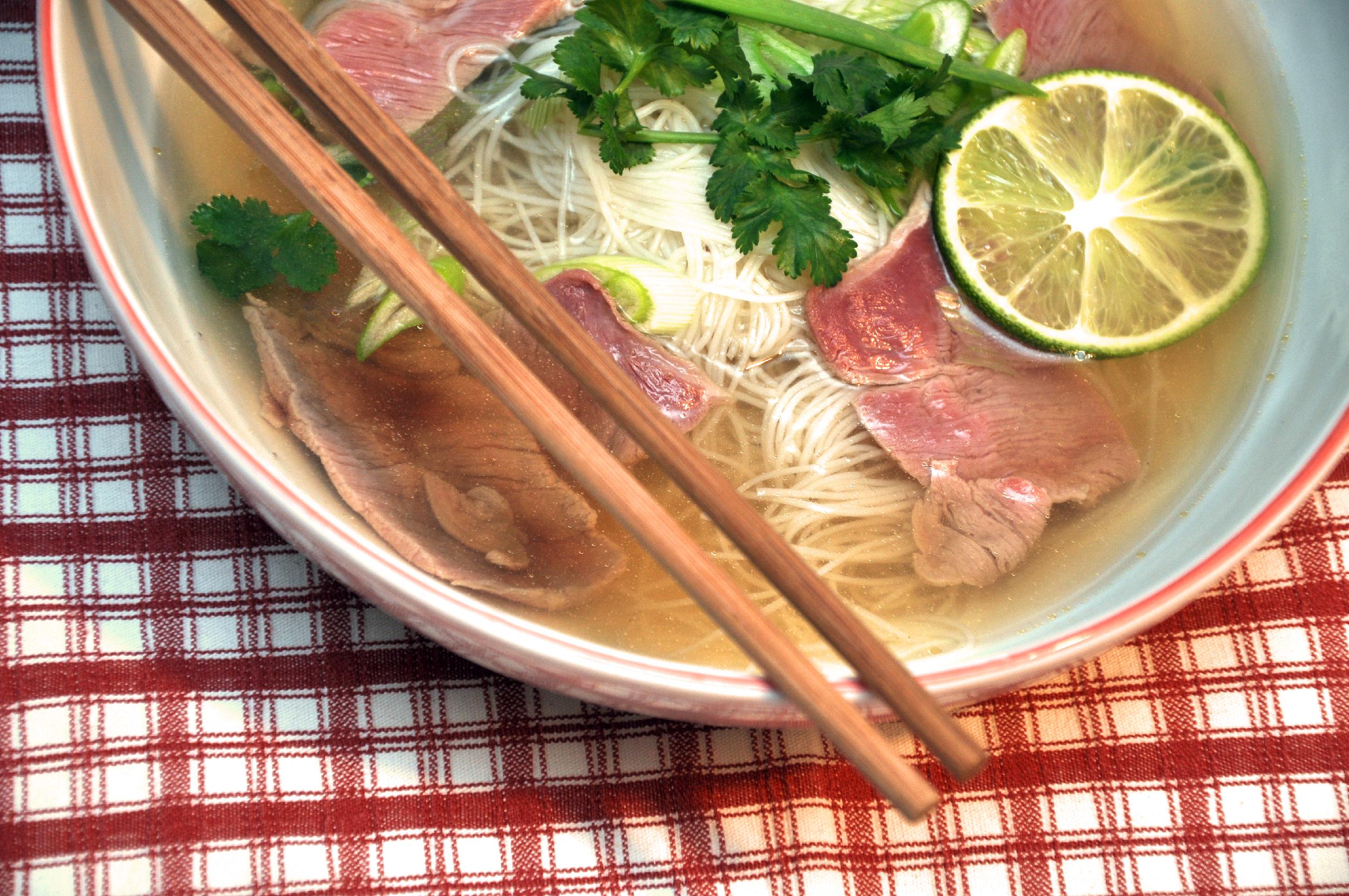 Phở - Vietnamesische Suppe