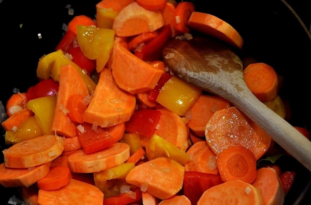 Süßkartoffel-Tagine mit roten Linsen