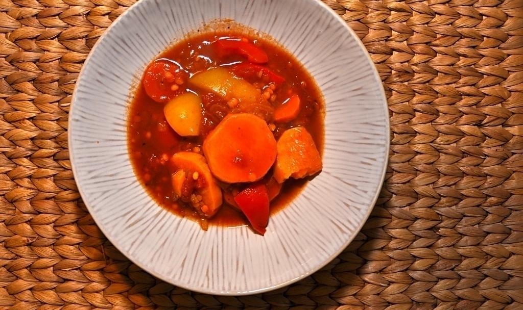 Süßkartoffel Tagine mit roten Linsen