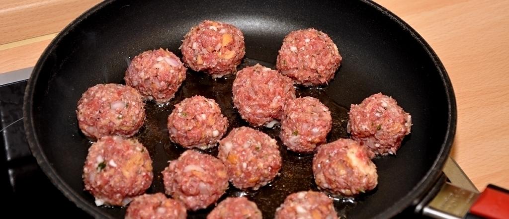 Spargelragout - Fleischbällchen