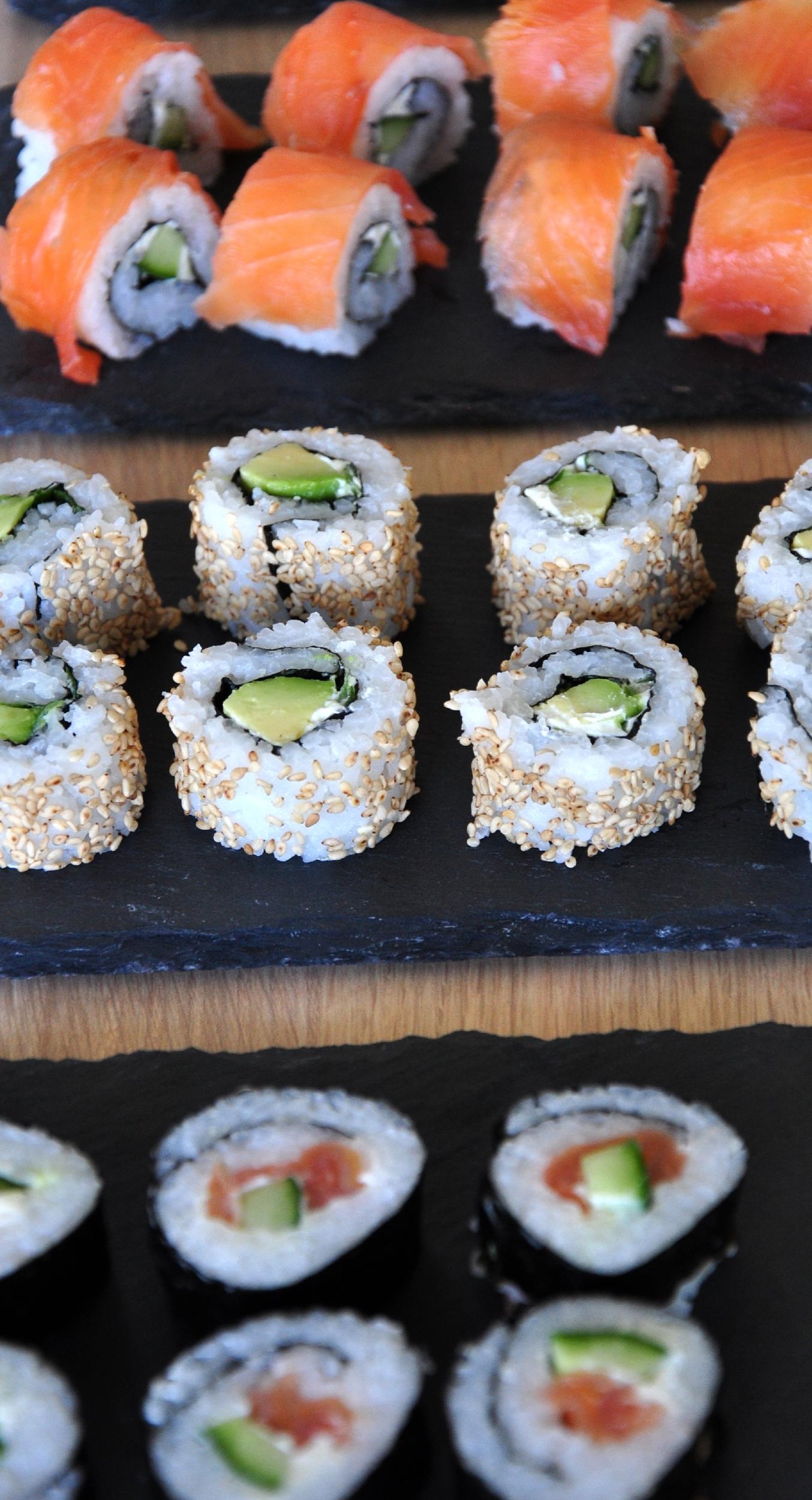 Age und Uramaki Sushi