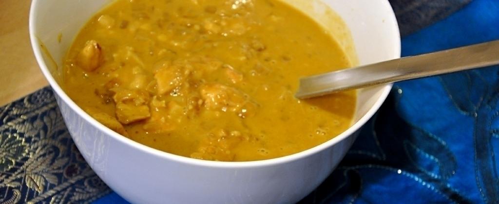 Hühnchen-Curry mit Kokosnuss